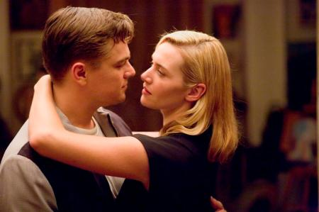 leonardo_dicaprio_and_kate_winslet_in_a_scene_from_48b24d16a71