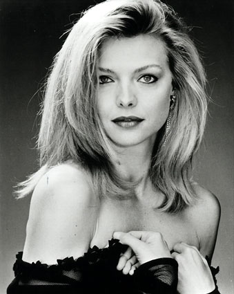 039_3307michelle-pfeiffer-posters