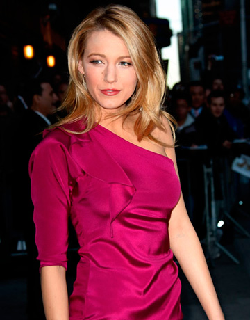 blake lively yellow. who is lake lively dating.