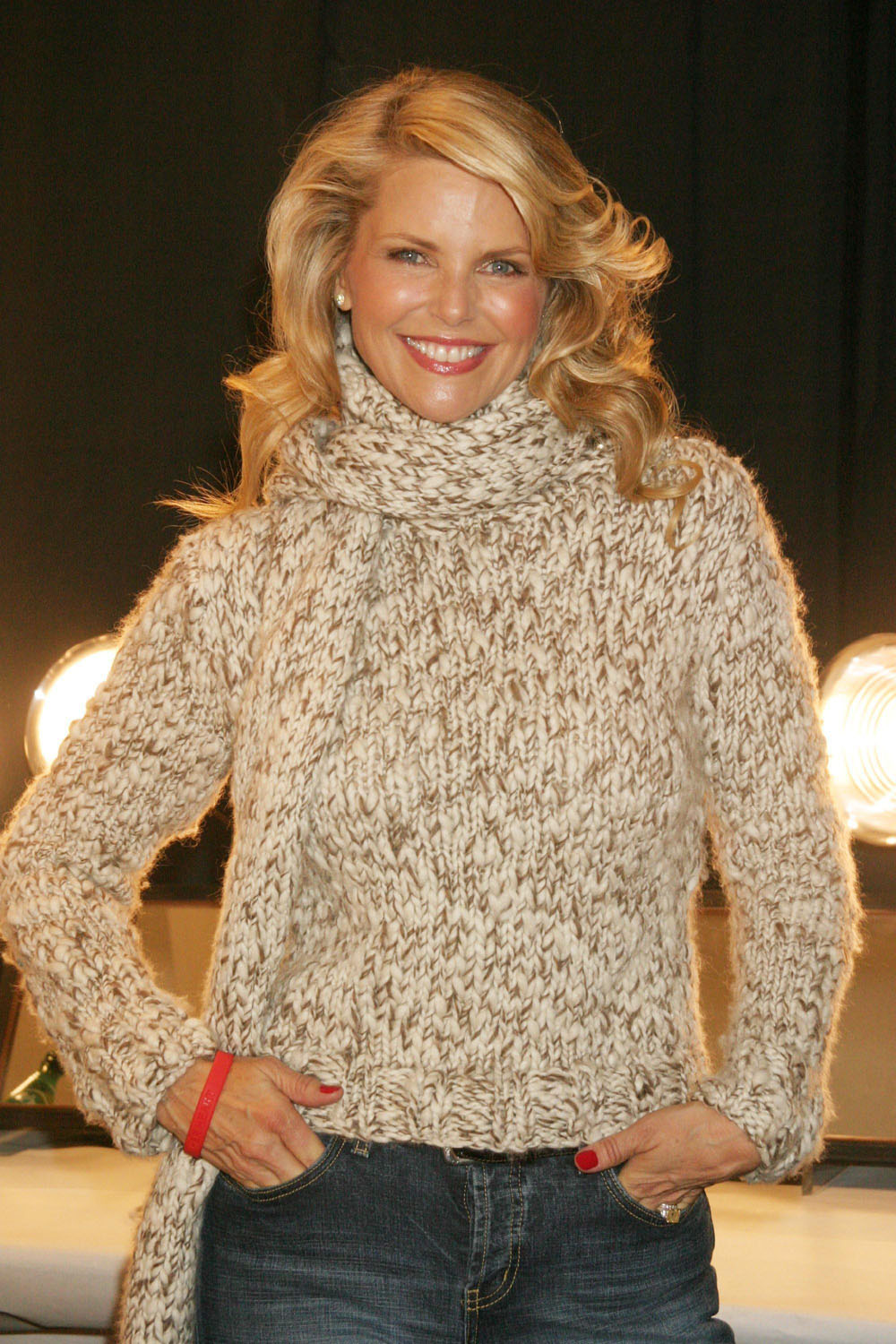christie brinkley to play roxie hart in chicago