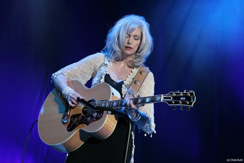 EMMYLOU HARRIS: GRATEFUL FOR HER GRANDLY DESERVED SUCCESS ... Emmylou Harris Country Radio