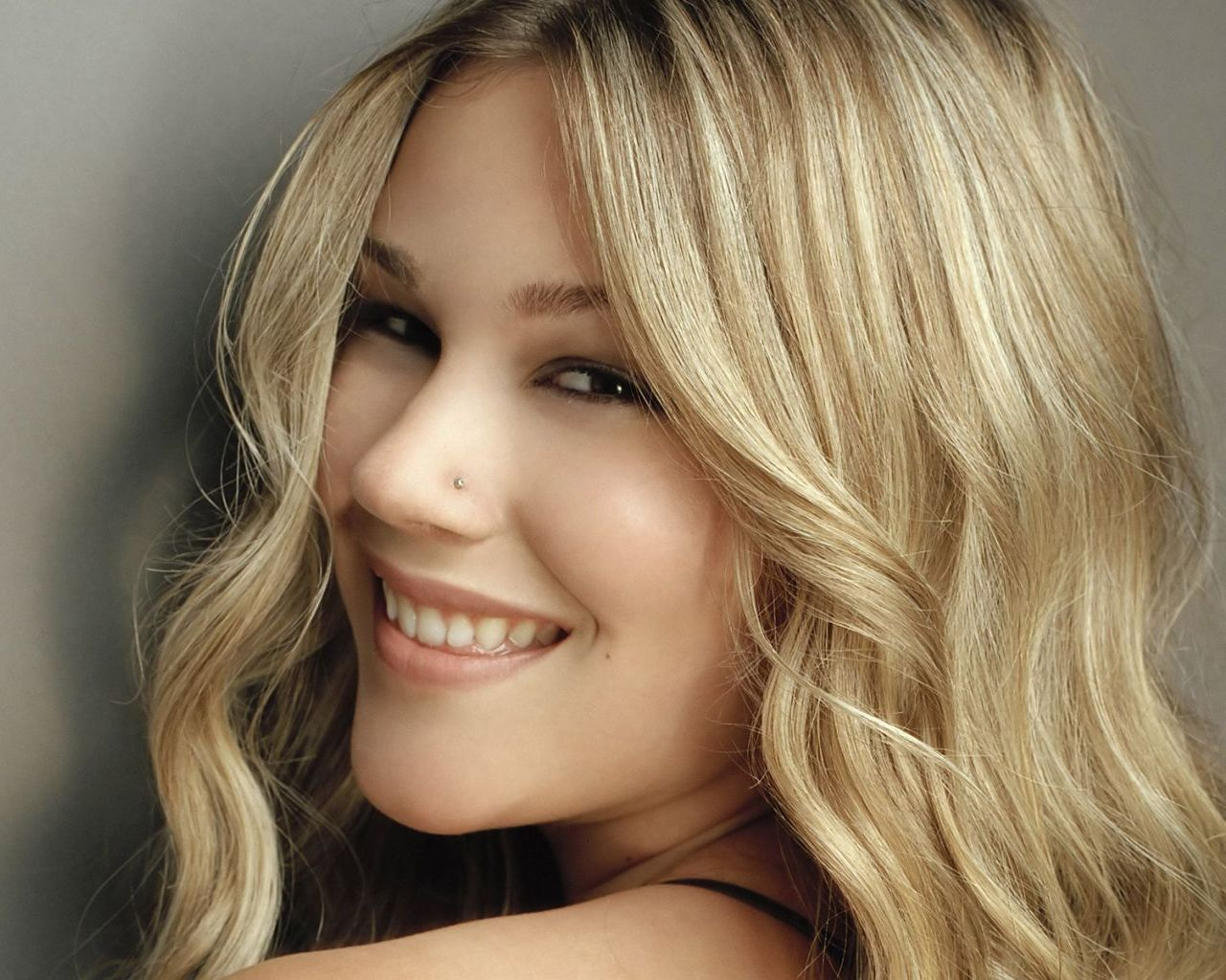 Joss Stone Nude Photos 11